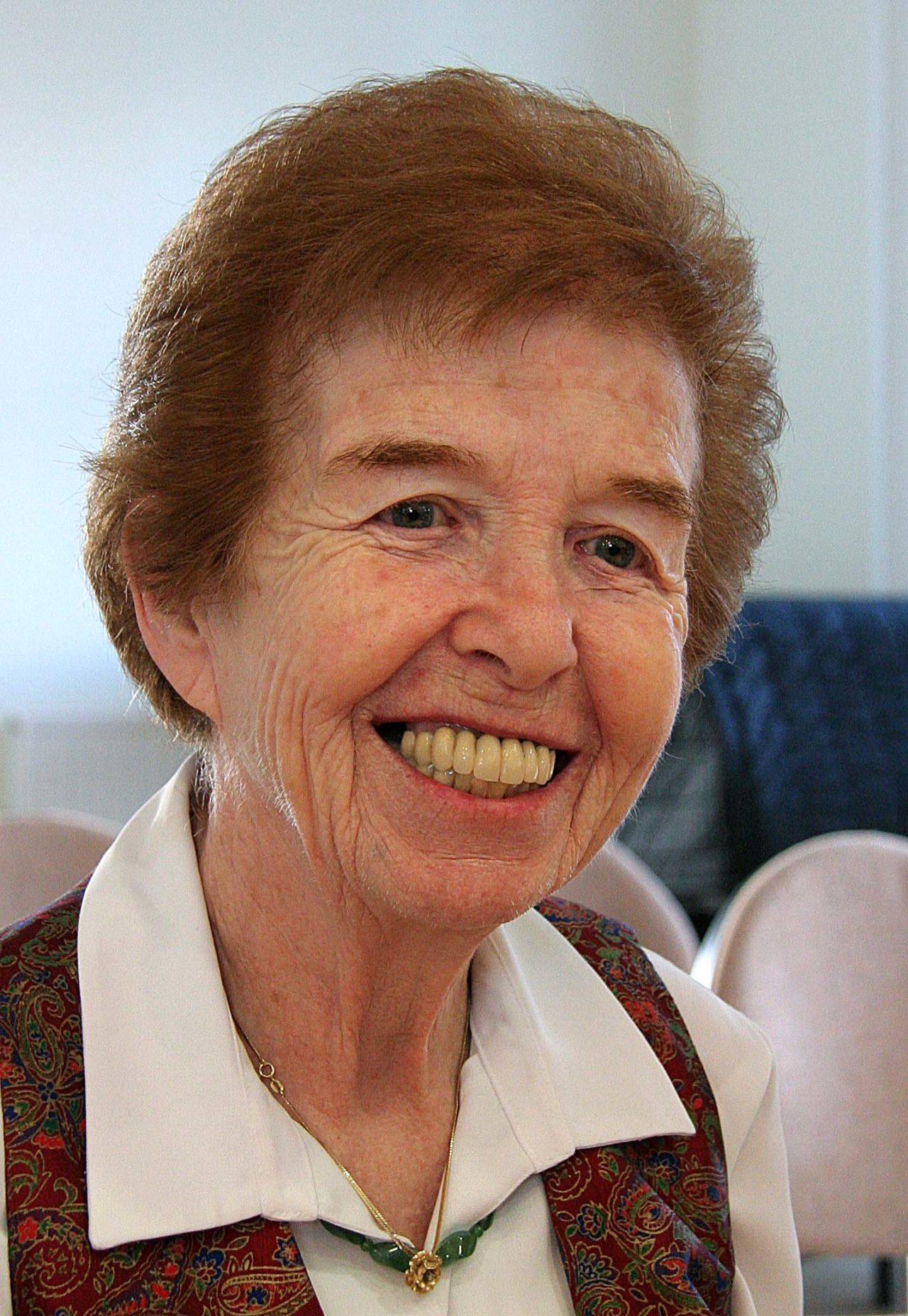 Holocaust survivor Eve Kugler meets poet Sarah Hesketh