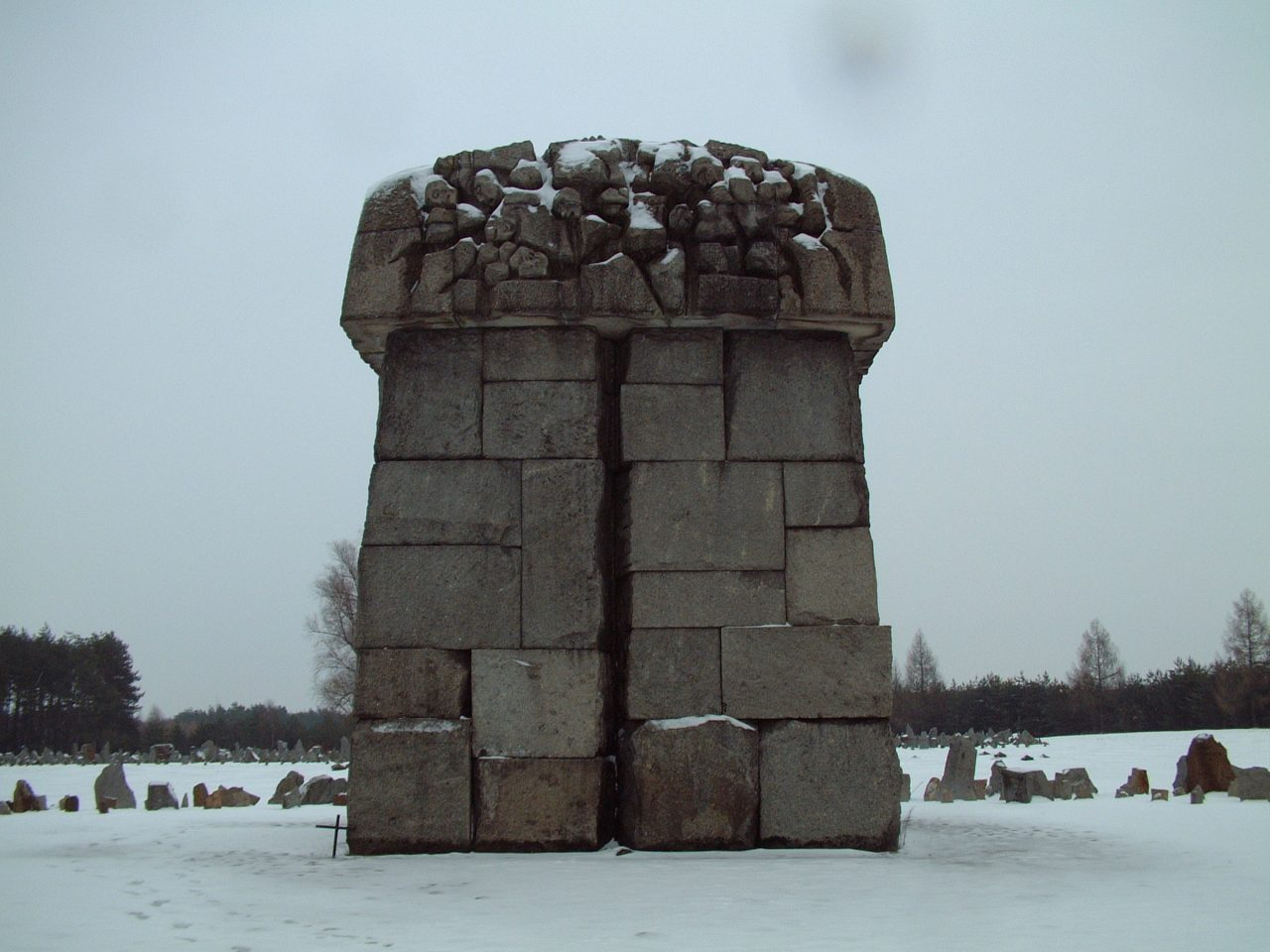 UPRISING OF PRISONERS AT TREBLINKA