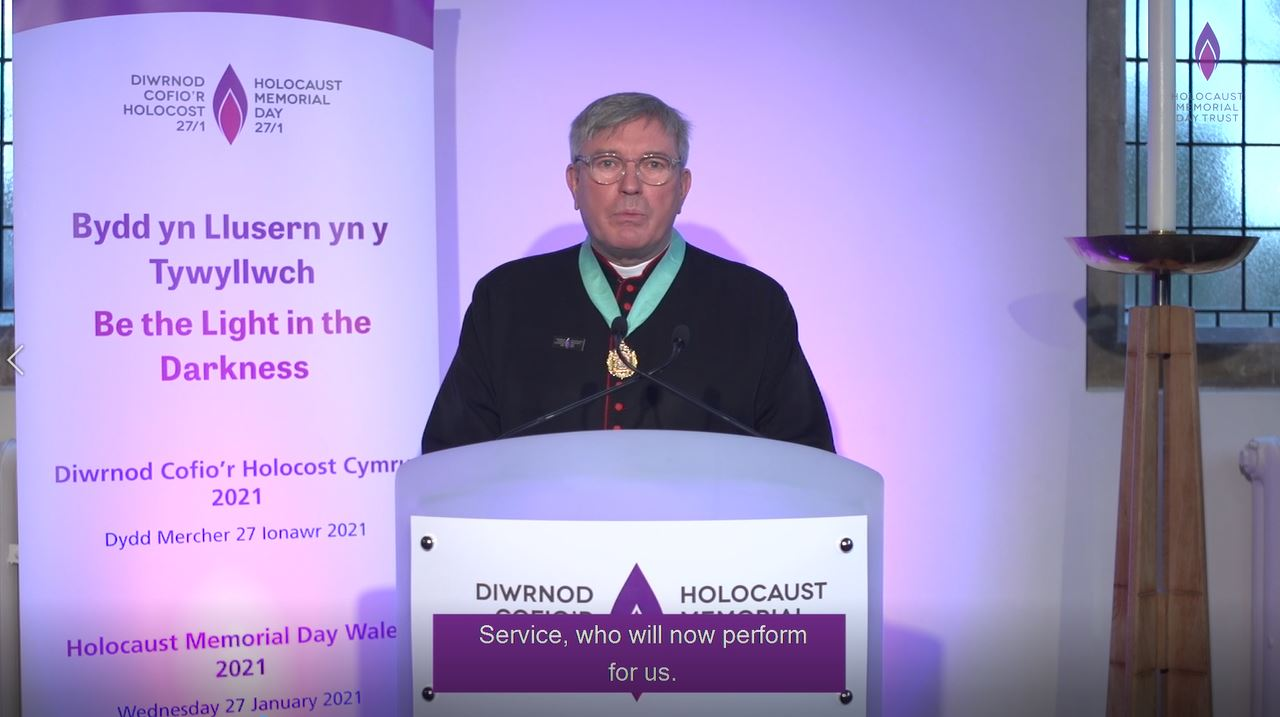 The Reverend Canon Stewart Lisk welcomes viewers of the ceremony
